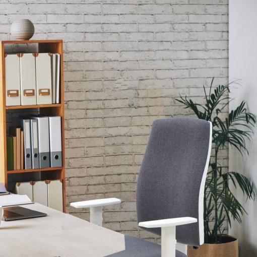 silla-blanca-oficina-job
