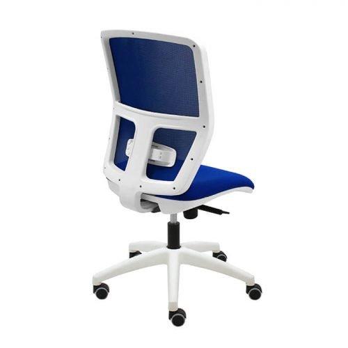 silla-giratoria-keempat-blanco-malla-azul-asiento-azul-detras