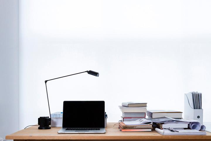 Teletrabajar en casa con luz natural